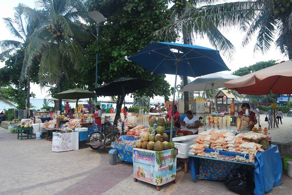 Puestos callejeros en Playa del Carmen