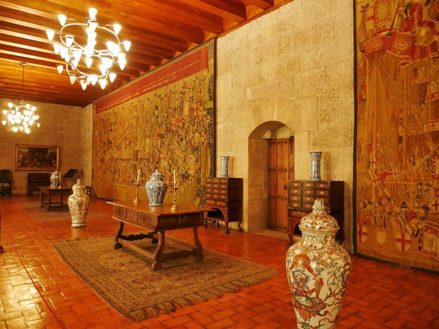 Salón, Palacio de los Duques de Braganza - La Cosmopolilla