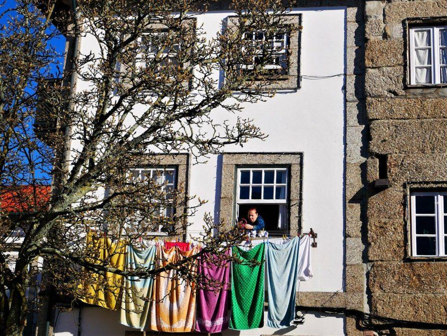 Tendiendo la ropa en Guimaraes