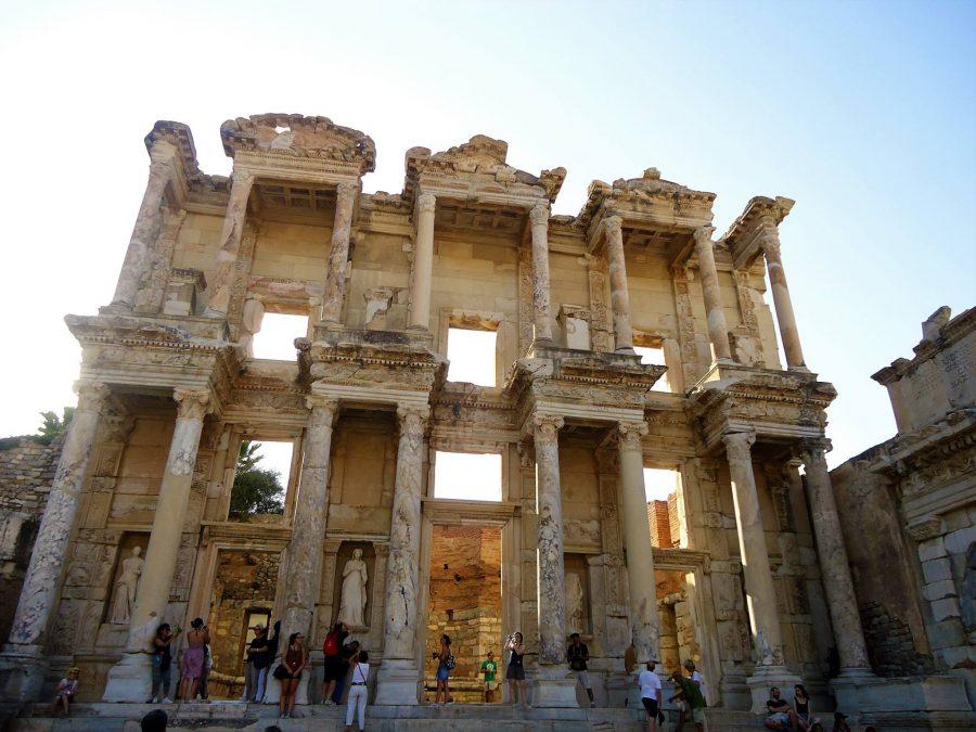 Portada de la Biblioteca de Celso
