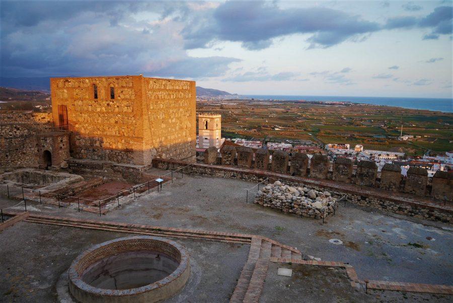 Casco histórico y la vega desde el castillo de Salobreña
