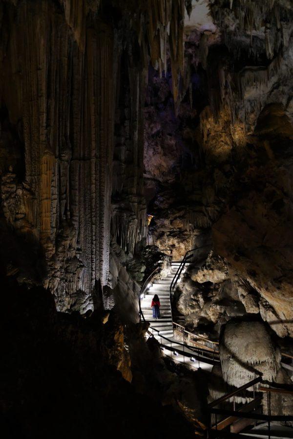 La columna del Cataclismo, visitar la Cueva de Nerja