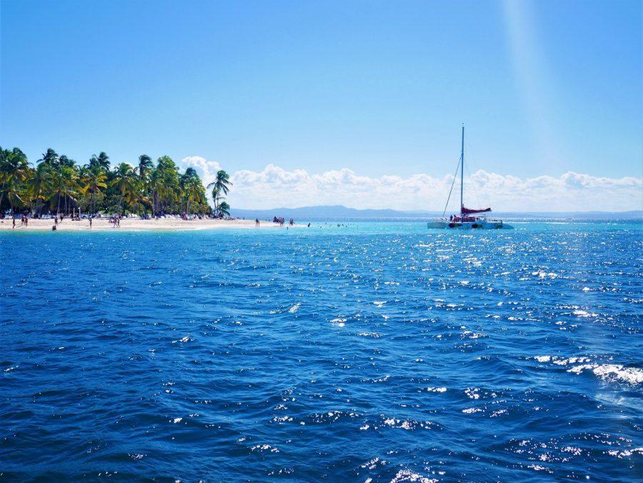 Catamarán en Cayo Levantado, Samaná