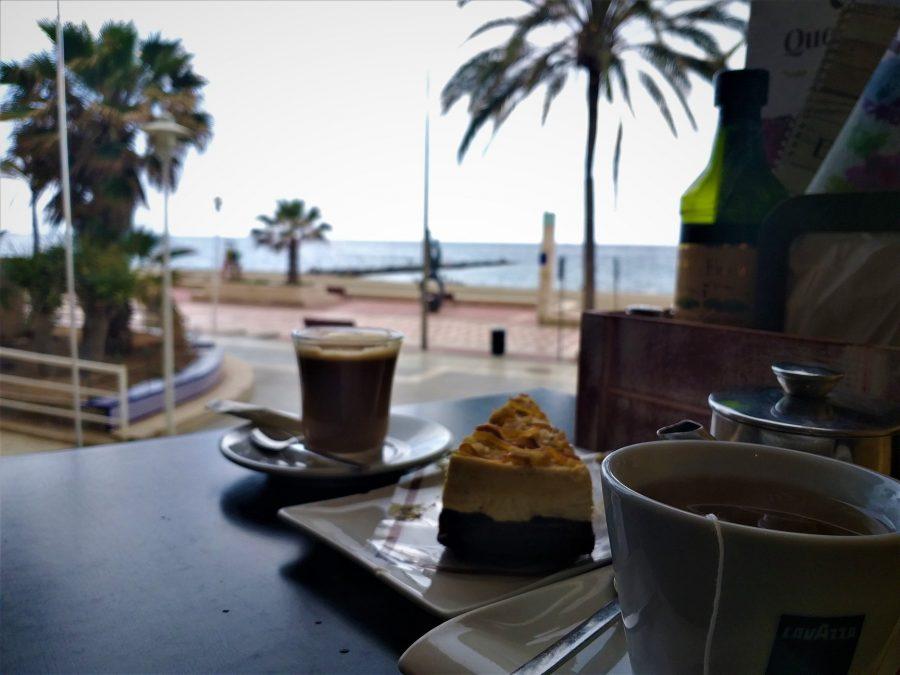 Merienda en Quevedo, cafeterías de El Zapillo en Almería