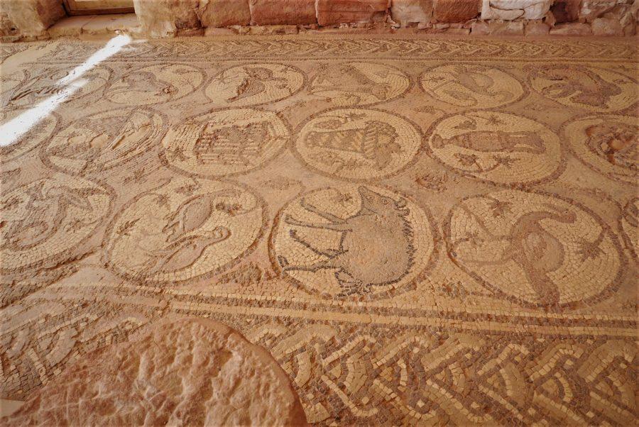 Mosaicos de la basílica bizantina, visitar Petra en 2 días