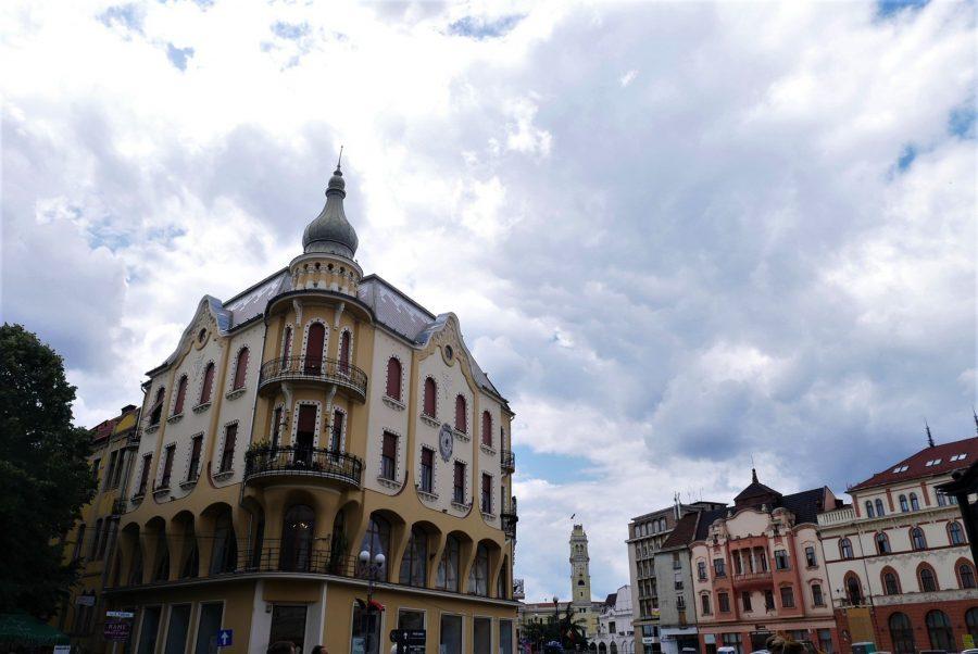 Plaza del rey Fernando, Oradea