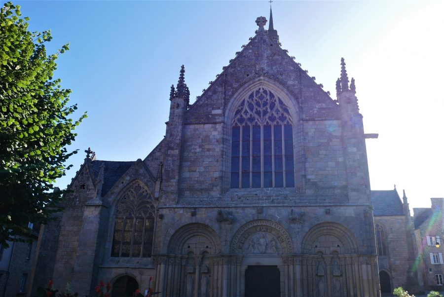 Basílica de Dinan, ruta por la Bretaña francesa en coche