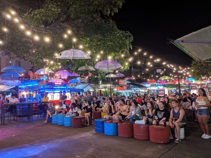 Ambiente en los mercados nocturnos de Chiang Mai
