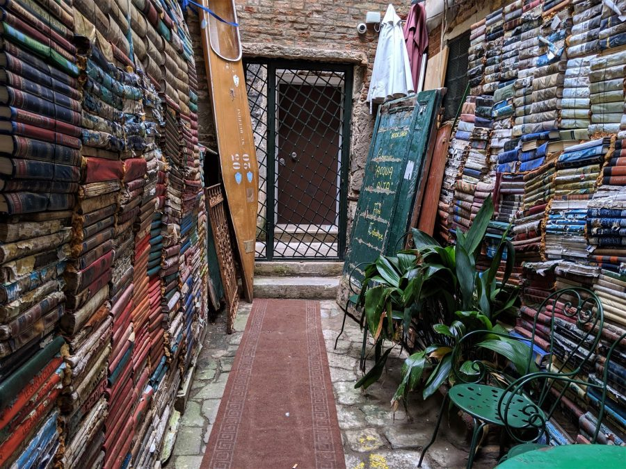 Librería Aqua Alta