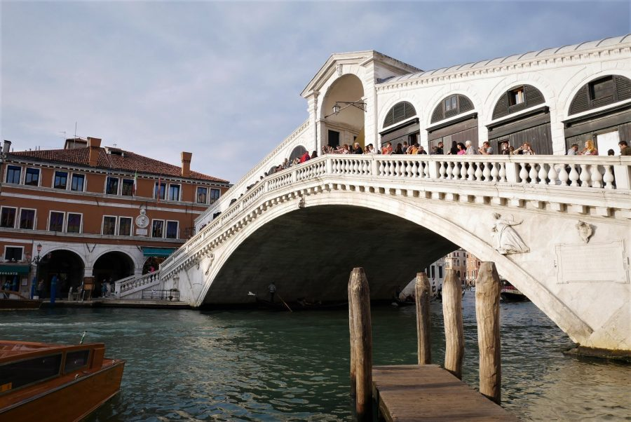 Puente de Rialto, viajar a Venecia