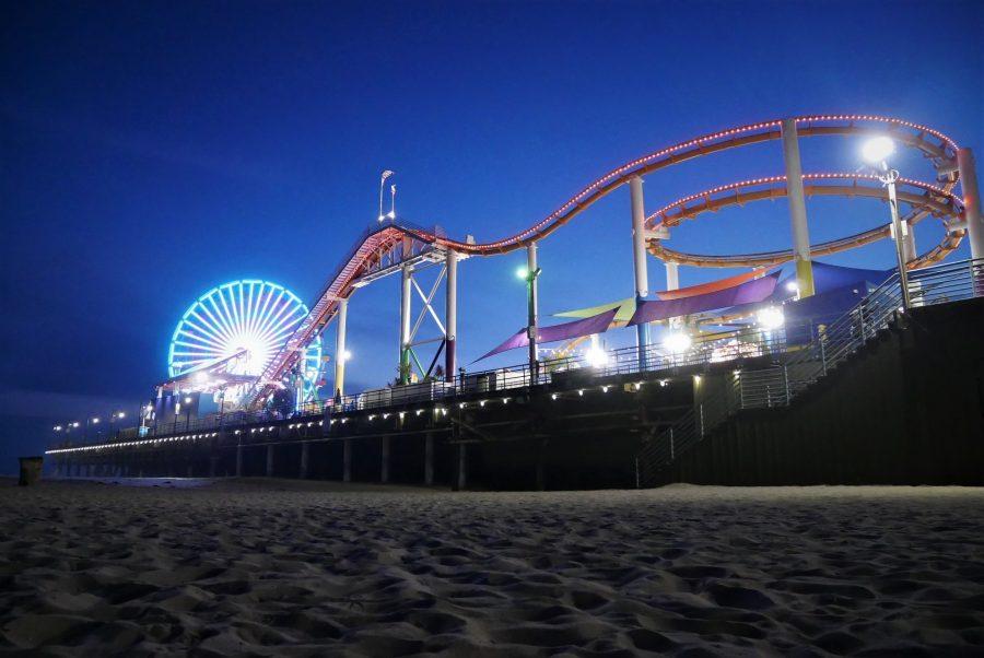 Playa de Santa Mónica al anochecer, Los Ángeles en coche
