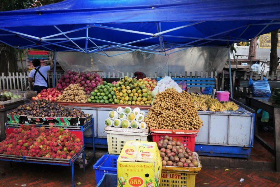 Mercado diurno de Luang Prabang en Laos