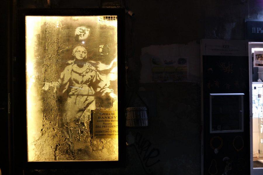 La Madonna de la pistola, mural de Banksy en Nápoles
