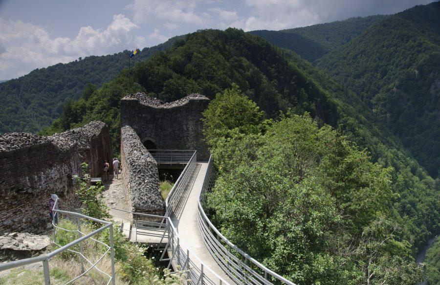 Castillo de Poenari, El castillo del conde Drácula en Rumanía