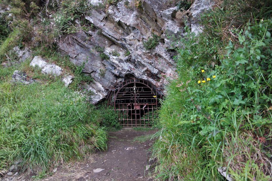 La cueva del rey Cintolo es la más grande de Galicia