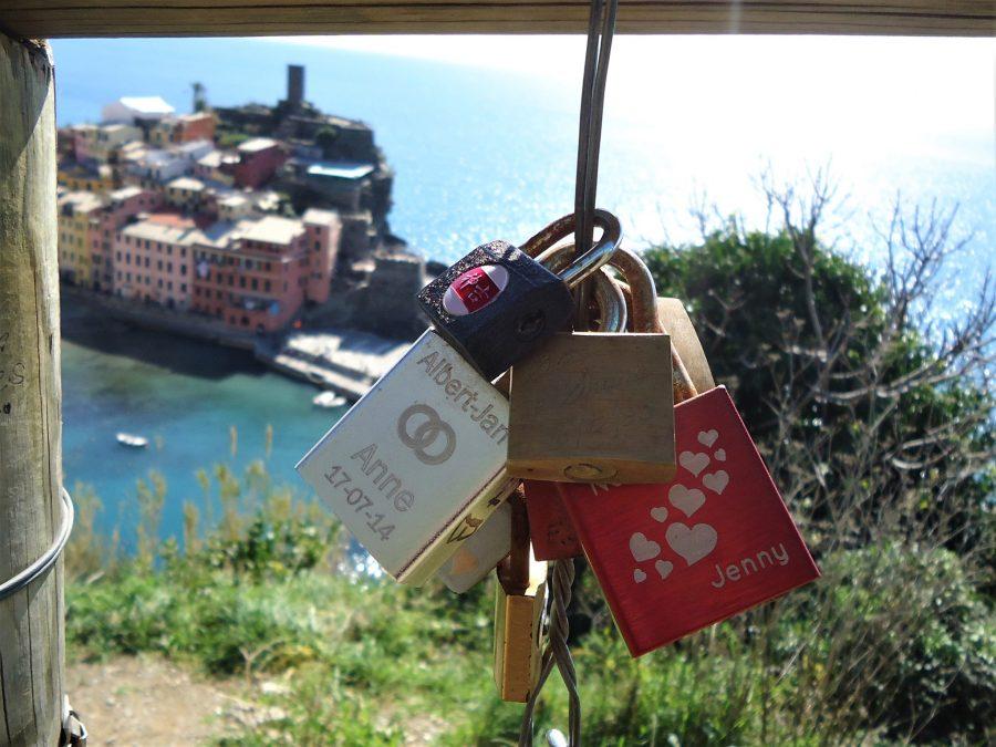 Candados de amor en Vernazza, qué ver en Cinque Terre, Italia