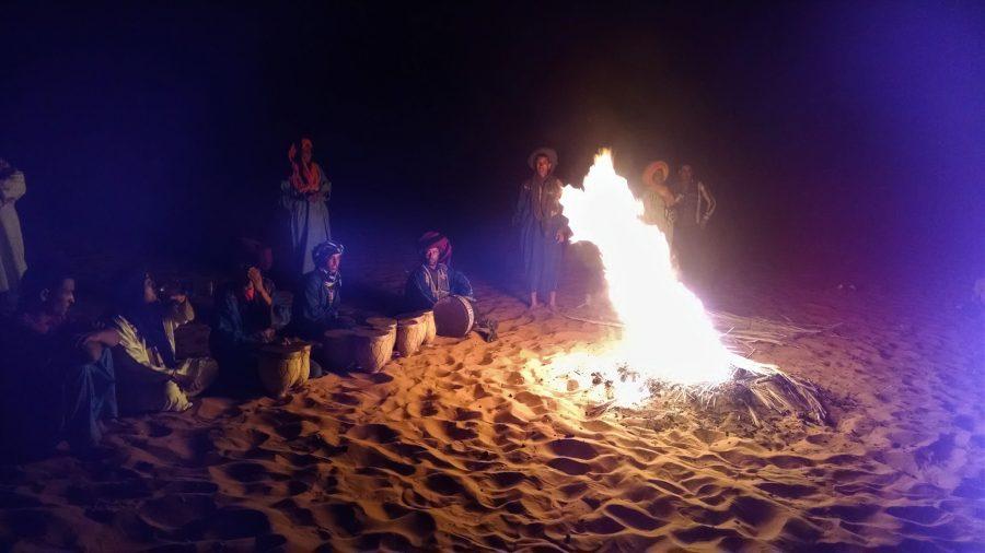 Pasar una noche en jaima en el desierto de Marruecos, campamento bereber