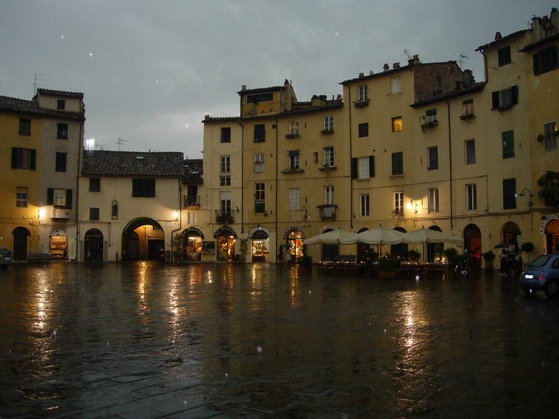 Plaza de Lucca, La Toscana
