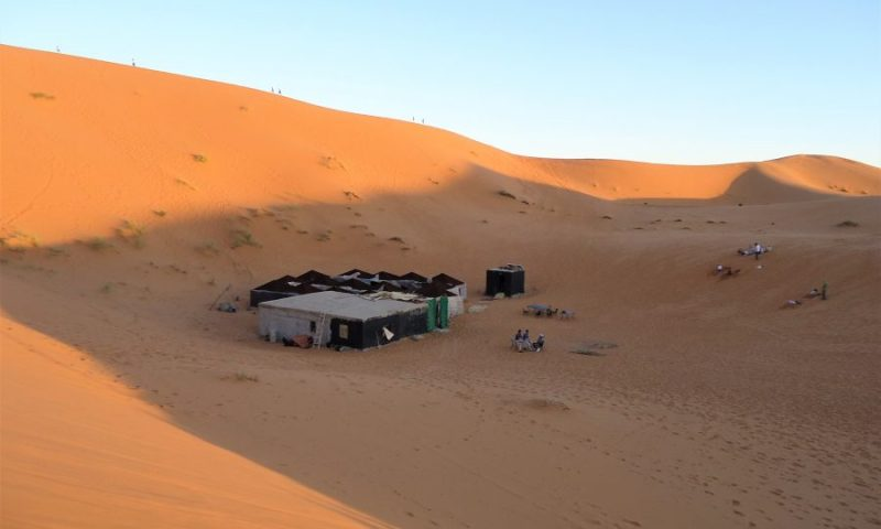 dormir en jaima en el desierto de Marruecos, campamento
