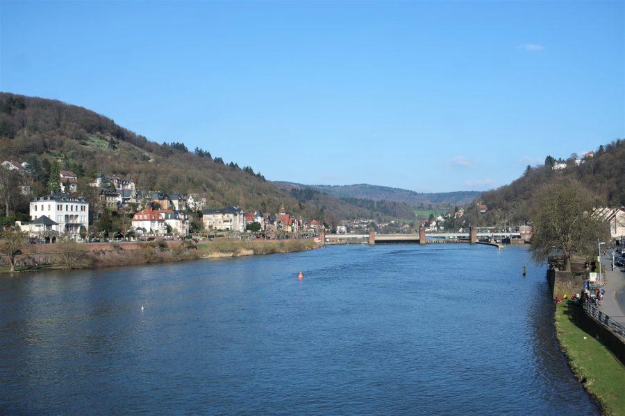 El río Neckar a su paso por Heidelberg