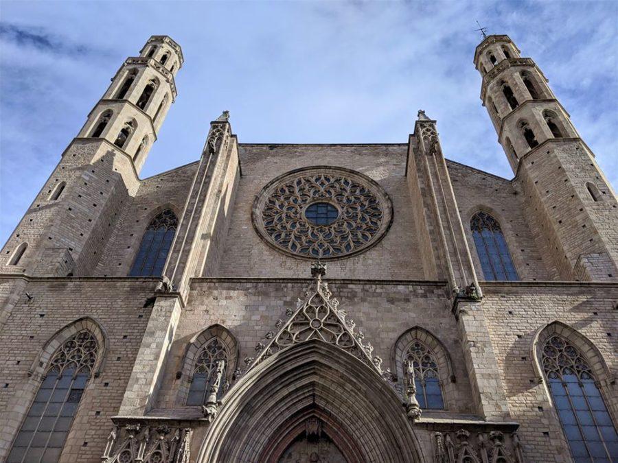 Fachada de Santa María del Mar, ruta por el Born de Barcelona