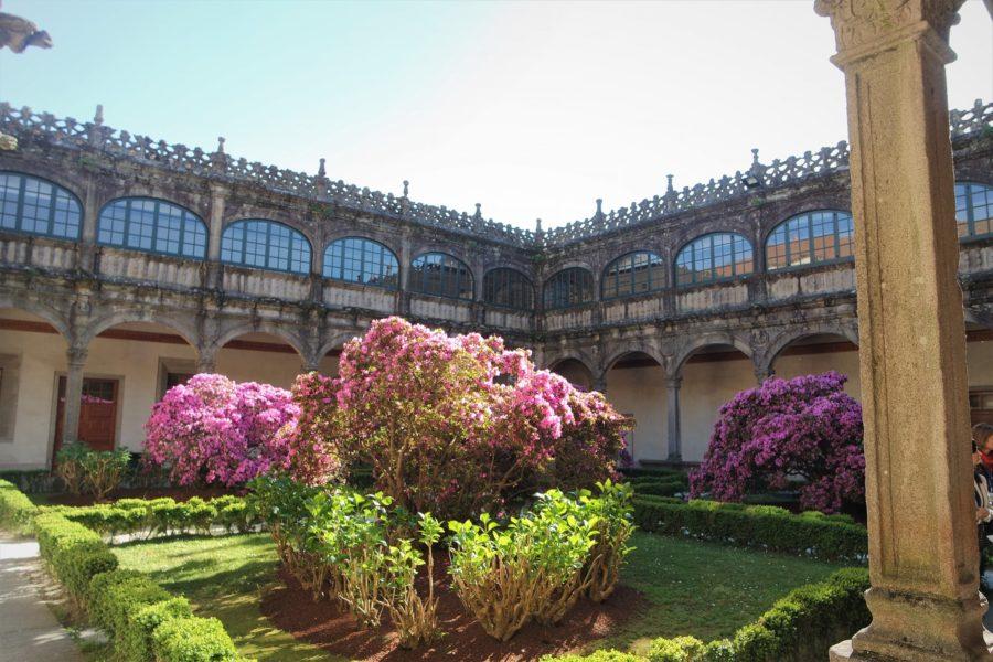 Claustro de la biblioteca, qué ver en Santiago de Compostela en un día
