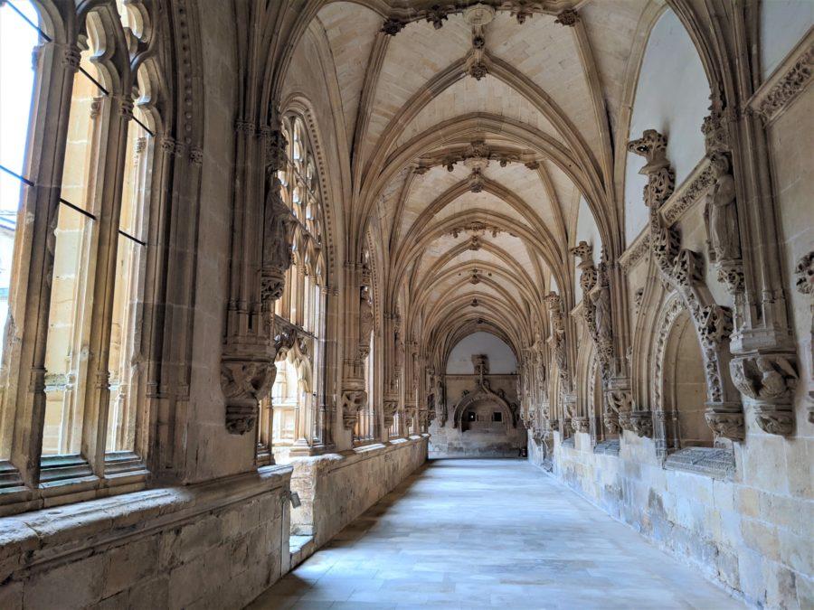 El claustro de San Salvador, qué ver en Oña, Burgos