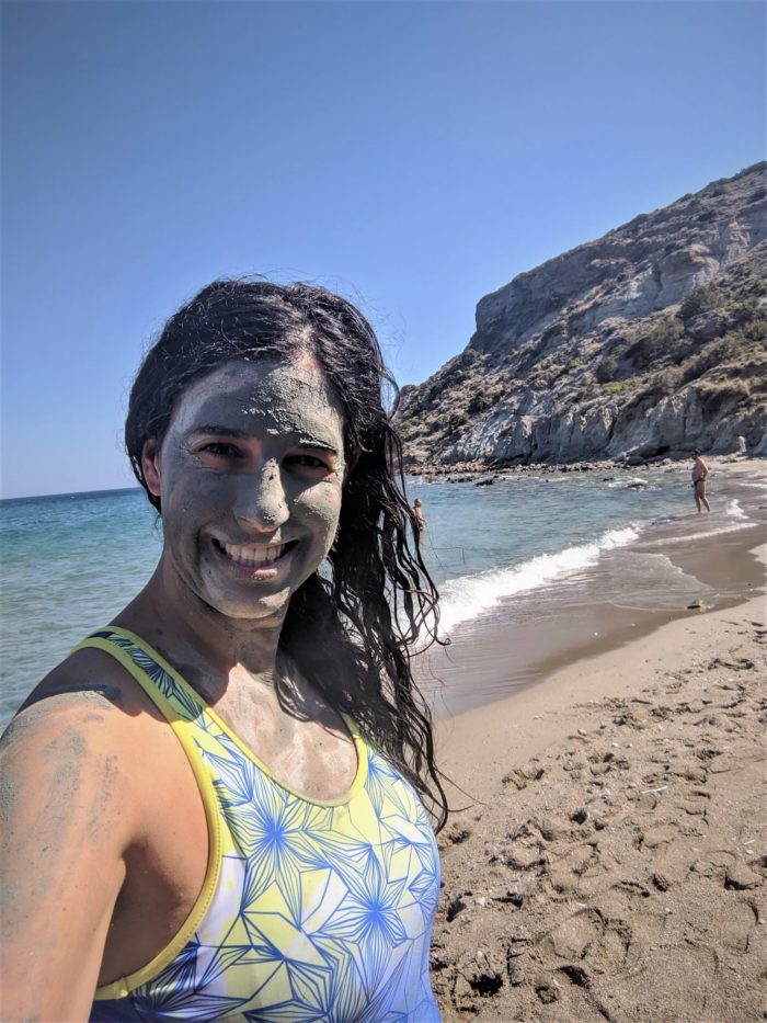 Arcilla azul en la playa de Kalogeros, playas de Paros