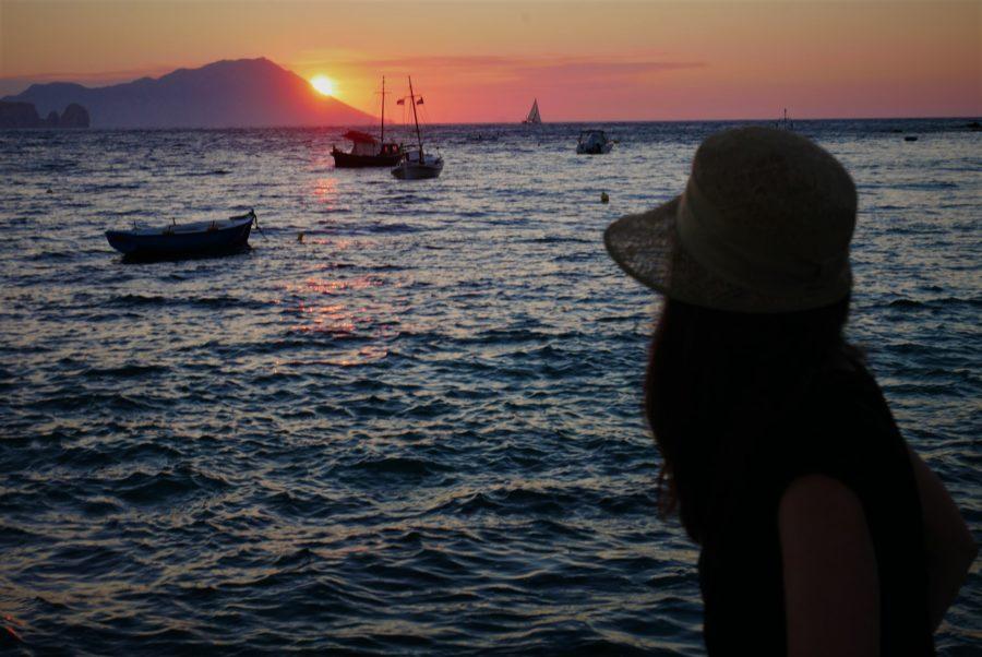 El atardecer en la isla de Milos, Grecia