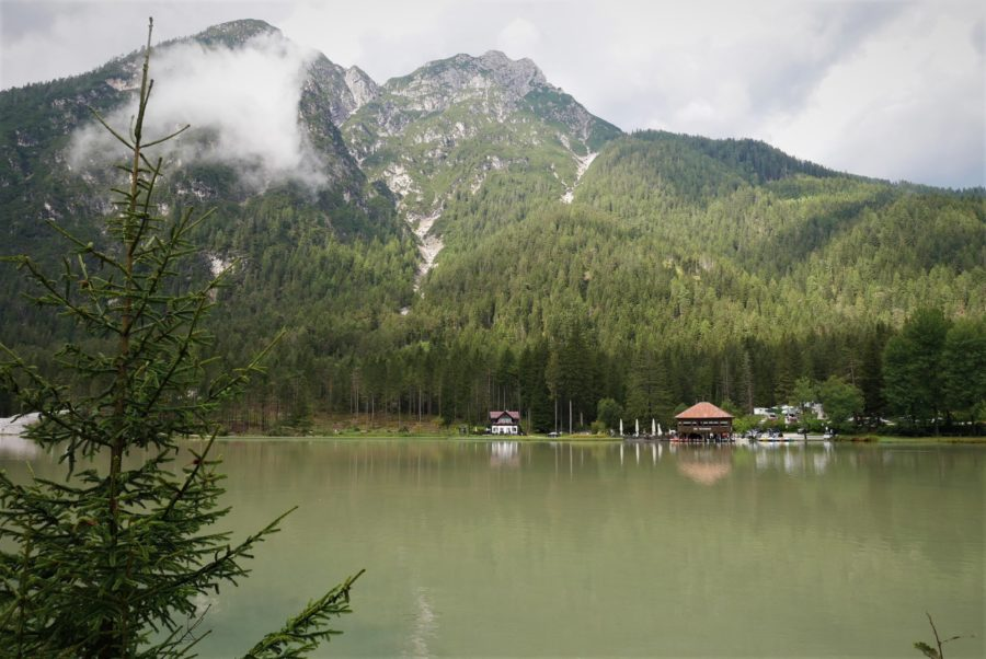 Lago di Dobbiaco, ruta por los Dolomitas por libre