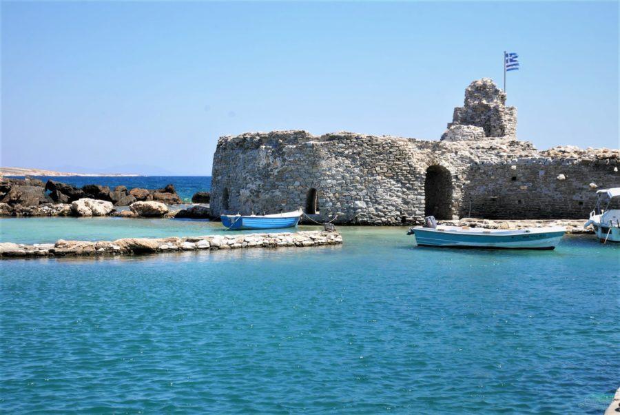 Restos del castillo veneciano de Naoussa, isla de Paros
