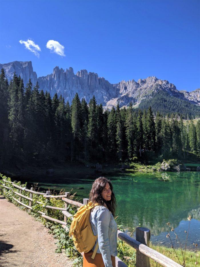 Sendero por el lago di Carezza