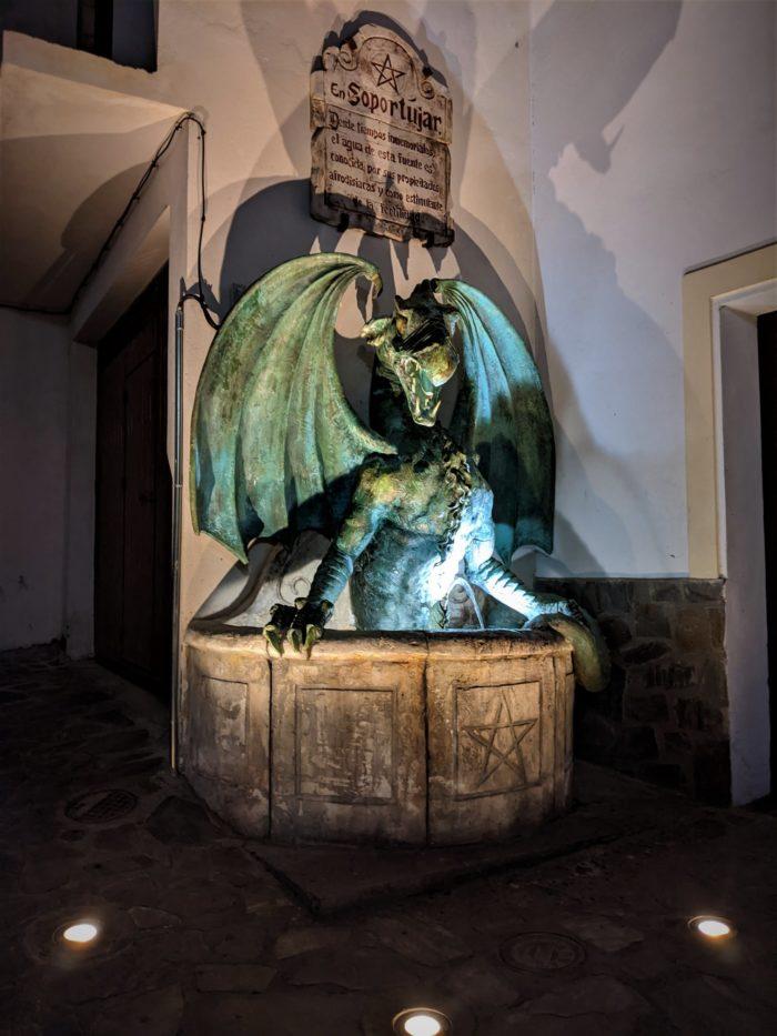 La fuente del dragón de Soportújar