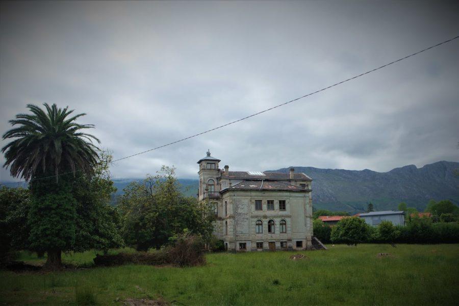Casa de El Orfanato, lugares de películas en Llanes