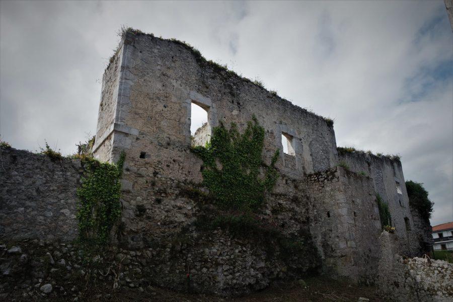 Palacio derruido de Llanes, Asturias