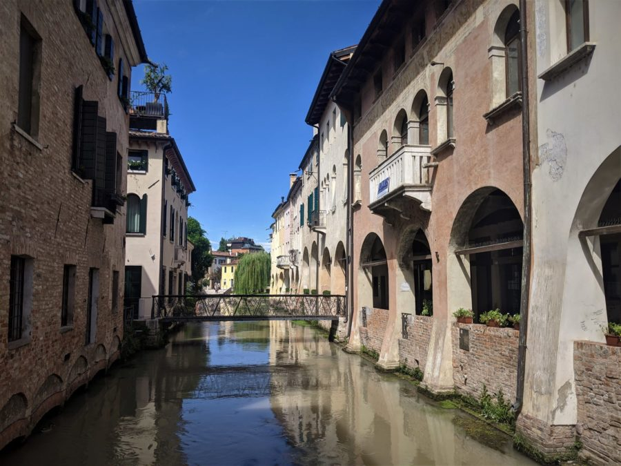 Puente sobre los canales de Treviso