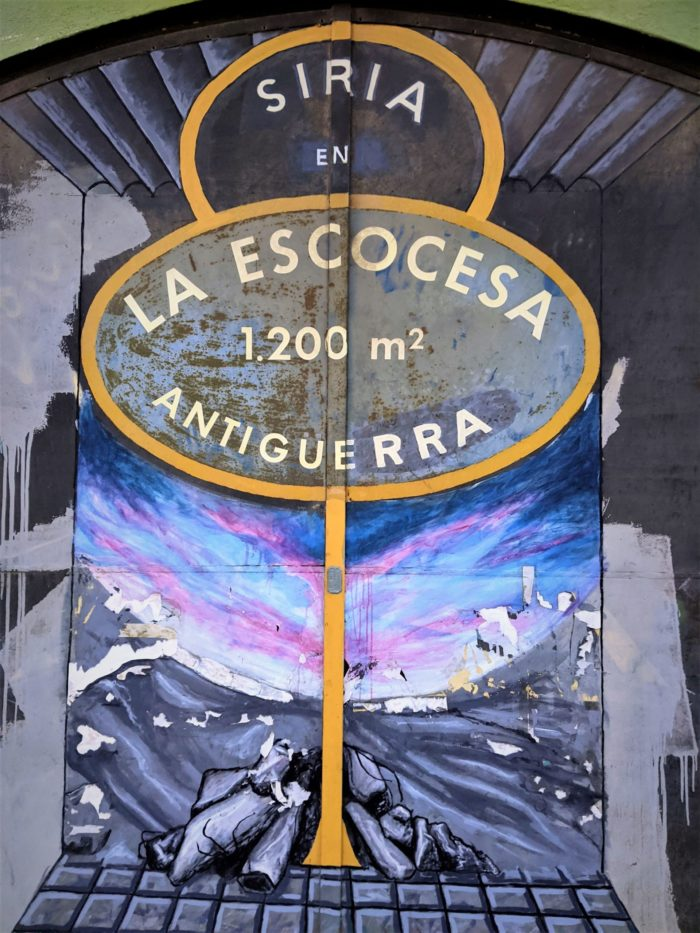 Puerta de la Escocesa murales del Poblenou