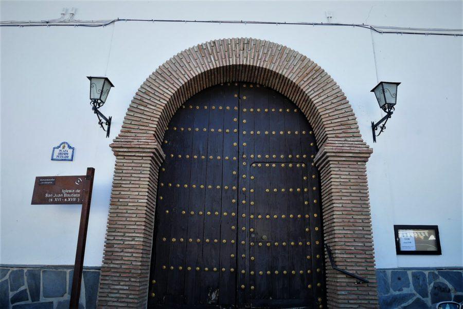 Puerta de la iglesia de Bérchules, Granada