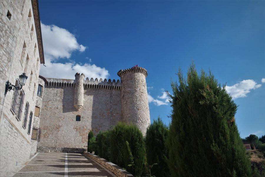 Subida al castillo de Torija