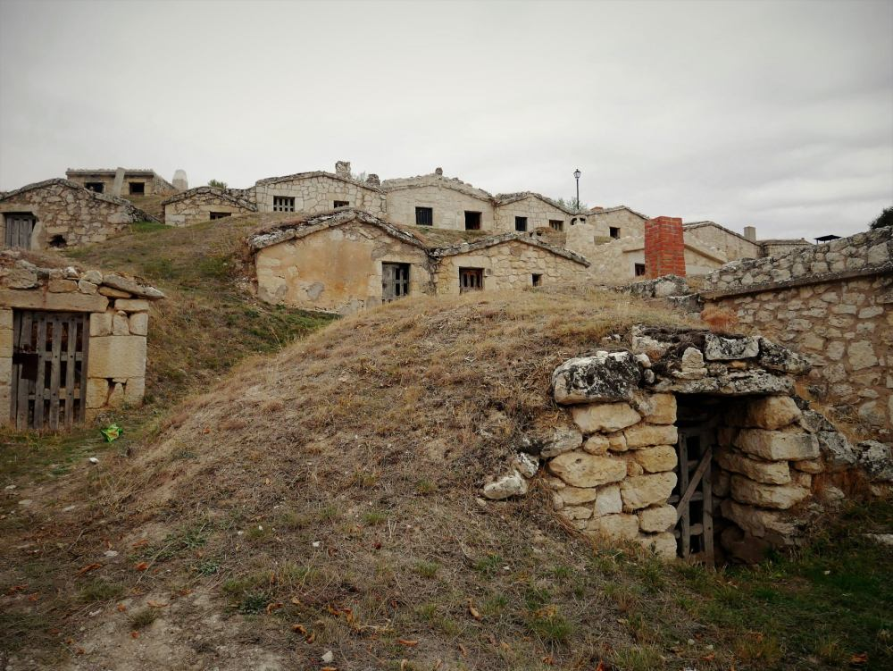 Barrio de bodegas subterráneas de Moradillo de Roa