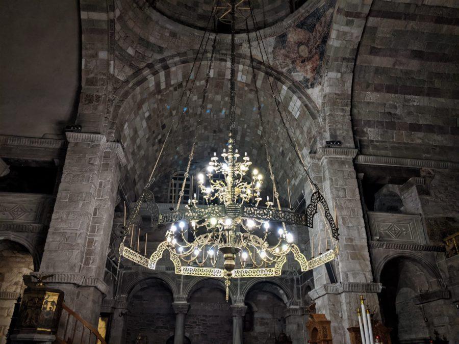 Lámpara bizantina en Panagia Ekatontapiliani