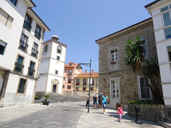 Torre del Reloj en Luanco
