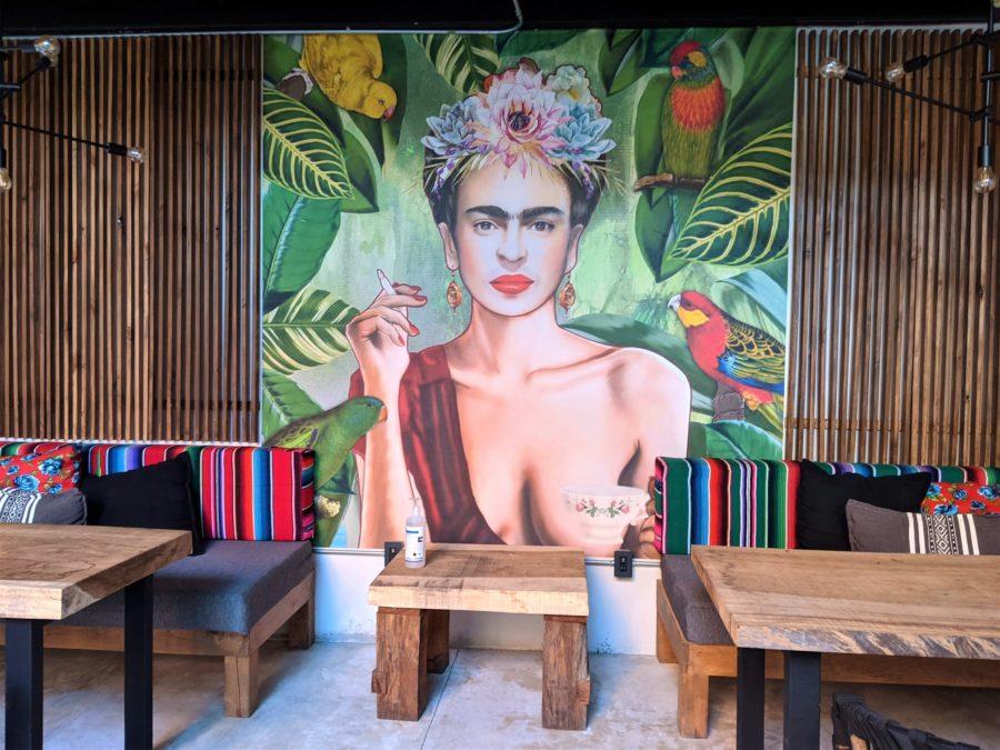 Mural de Frida Kahlo en el hotel Sayulinda