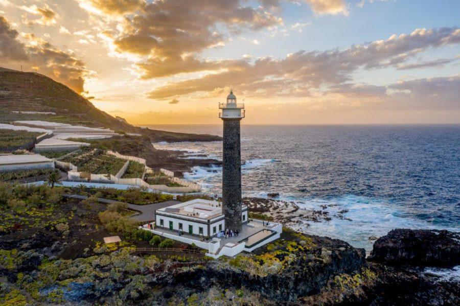 Hotel faro en La Palma