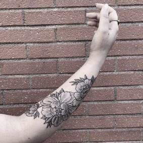 Tatouage Pivoine fait par Julien