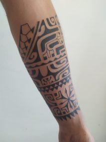 Tatouage polynésien fait par Kisio
