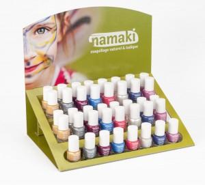 Présentoir-Namaki-Vernis-à-ongles-à-base-deau-2-300x271.jpg