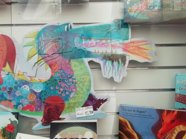 vitrine-dragons-la-courte-echelle (2).jpg