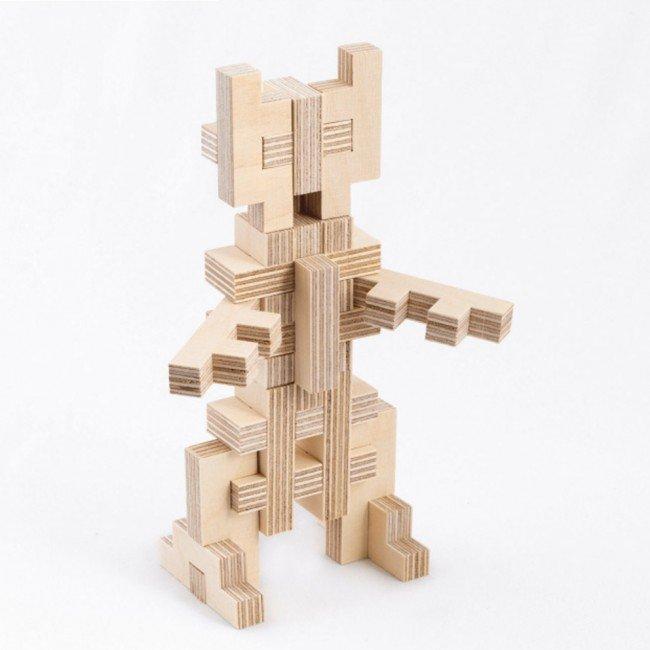 Robot construit avec les pièces Cloze