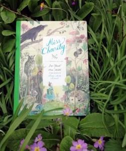 Miss Charity, le roman de Marie-Aude Murail adapté en bande dessinée par Loïc Clément et Anne Montel, chez Rue de Sèvres – Une édition spéciale Librairies Sorcières.